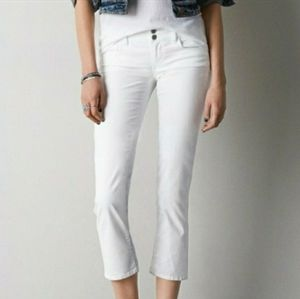 American Eagle Outfitters White Arist Capri Jeans